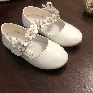 White dress shoes no brand size 8 (26)
